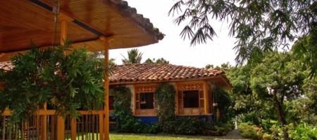 Fachada Casa 1 Fuente fincaellaurel com
